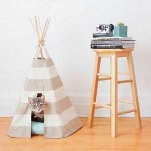 fabriquer une tente ou un tipi pour votre chat ecole du chat de marcq coll ge. Black Bedroom Furniture Sets. Home Design Ideas